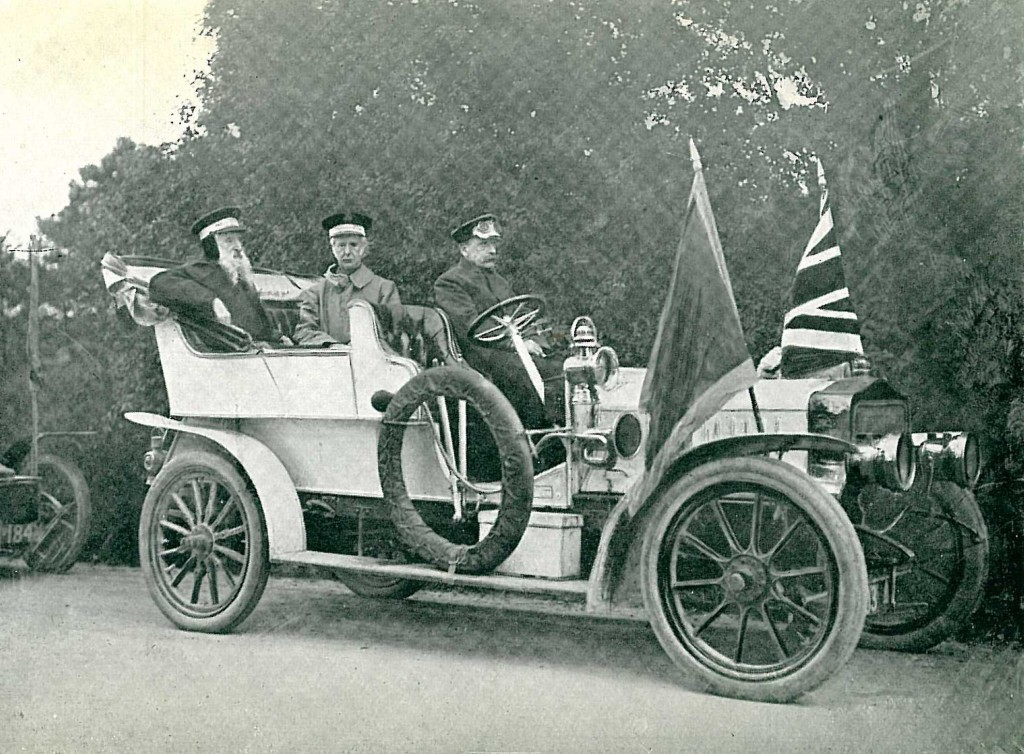 The General in the White Car (1905)