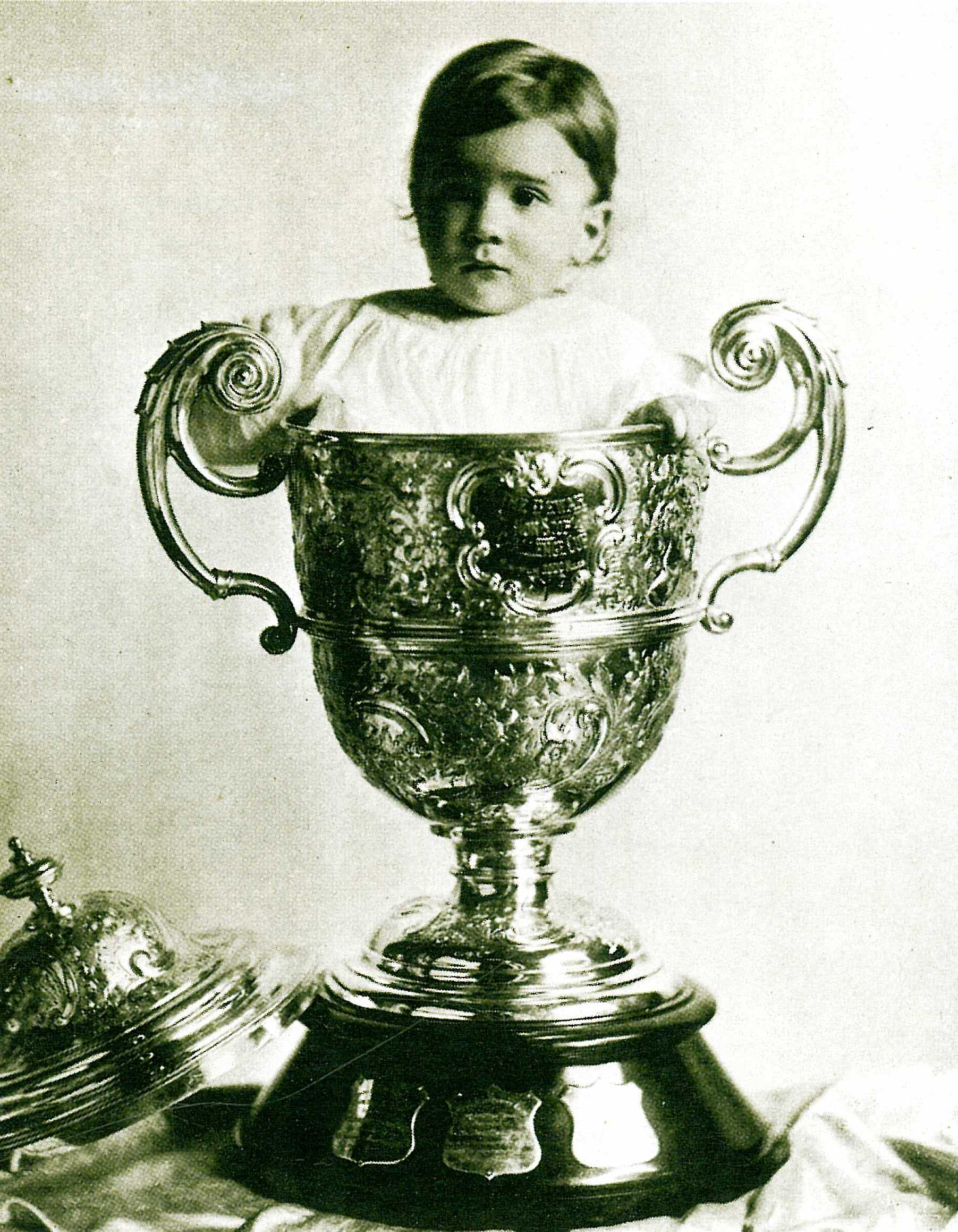 1909 - Wilfred Leland, Jr. and the Dewar Trophy